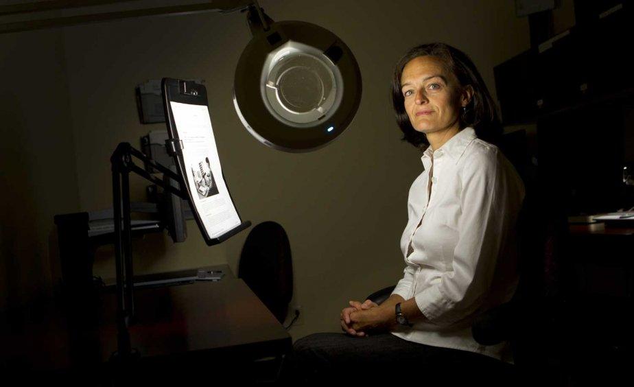 Martine Normand, spécialiste en réadaptation en déficience visuelle.... (PHOTO MARTIN CHAMBERLAND, LA PRESSE)