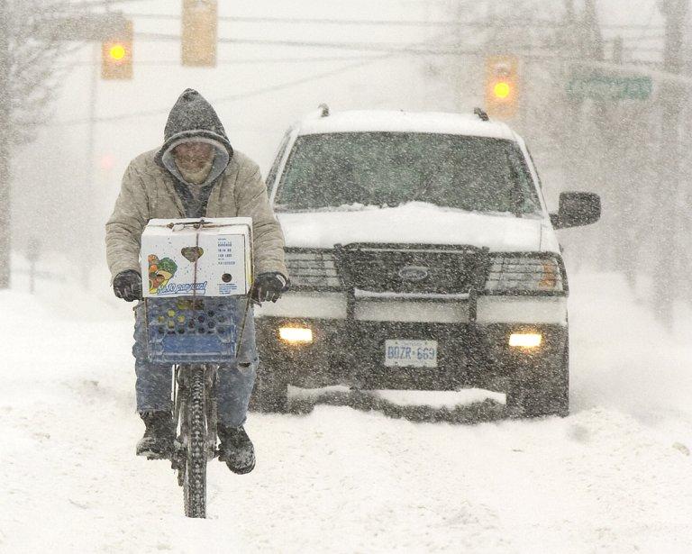 En pleine tempête de neige à Peterborough en Ontario. | 1 octobre 2012