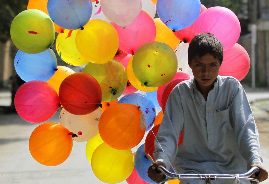 Ahmad Jawed, 13 ans, un jeune marchand de ballons de Kaboul en Afghanistan | 1 octobre 2012
