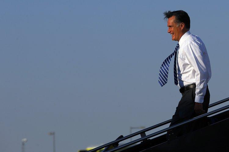 Mitt Romney est arrivé à Denver cet après-midi,... (Photo: Reuters)