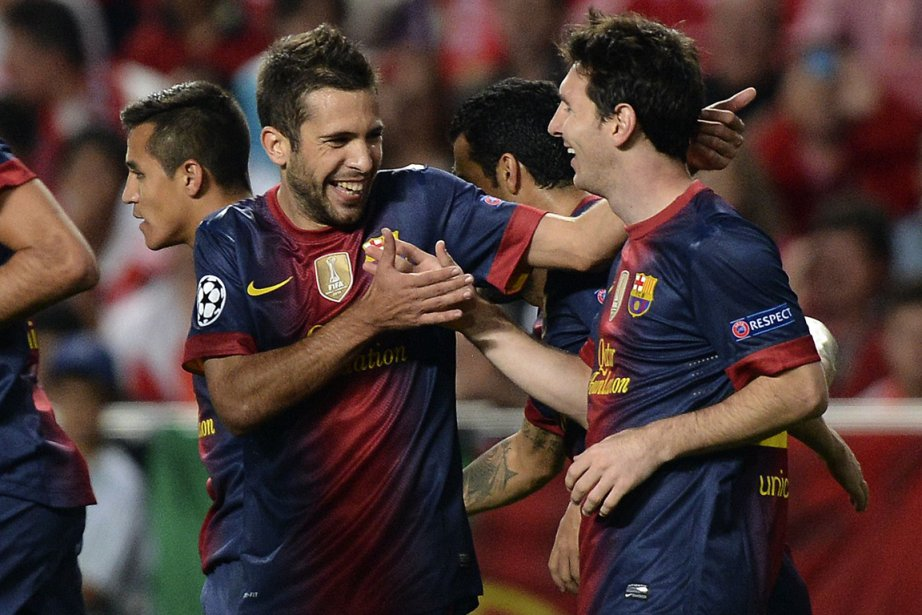 Mené par Lionel Messi (à droite), le FC... (Photo: AFP)