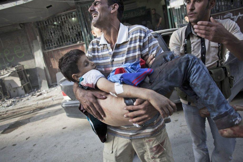 Hier, dans la grande métropole du nord, Alep,... (Photo Manu Brado, AP)