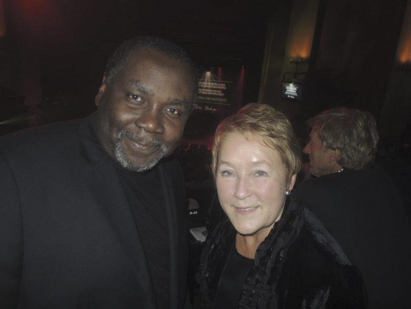 Hommage à Denis Blanchette : Un peu plus loin dans la même rangée, la Première ministre Pauline Marois était accompagnée de son nouveau ministre de la culture Maka Kotto. | 4 octobre 2012