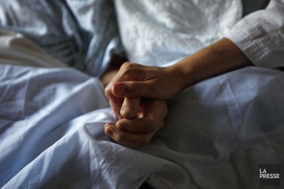 Un rapport cautionnant l'aide médicale pour mourir est... (Photo: Shaun Best, Archives Reuters)