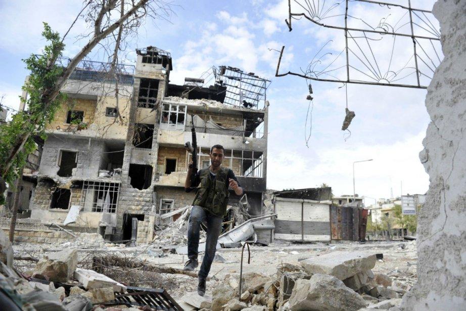Les rebelles syriens, qui contrôlent de larges secteurs... (Photo Tauseef Mustafa, Agence France-Presse)