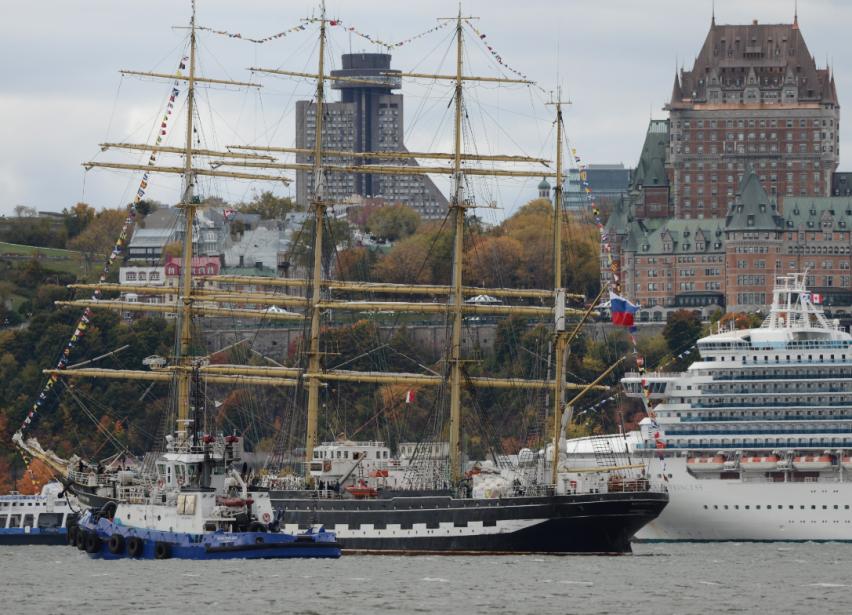 Le voilier russe Kruzenshtern, l'un des deux plus grands quatre... | 2012-10-07 00:00:00.000
