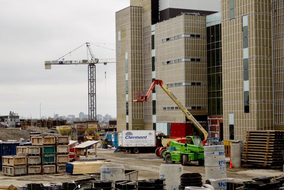 Le chantier du nouveau CUSM.... (Photo Marco Campanozzi, La Presse)