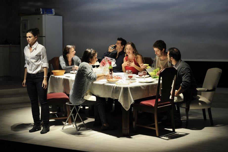 Durant un souper de famille, une jeune femme... (Photo: fournie par le Théâtre La Licorne)