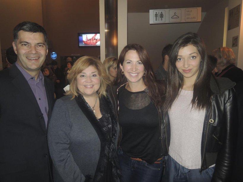 Mario Dumont, accompagné de sa conjointe Marie-Claude Barrette, Mélanie Maynard et sa fille Rosalie faisaient partie des nombreux invités qui ont assisté à cet hommage. | 11 octobre 2012