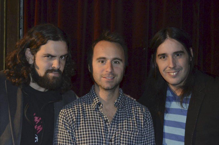 «On ressemble aux Bee Gees!», ont lancé les Denis Drolet, en posant aux cotés de Louis-José Houde. Le lundi 22 octobre, à 20h, le duo animera l'Autre Gala sur les ondes de MusiquePlus et Musimax. | 11 octobre 2012