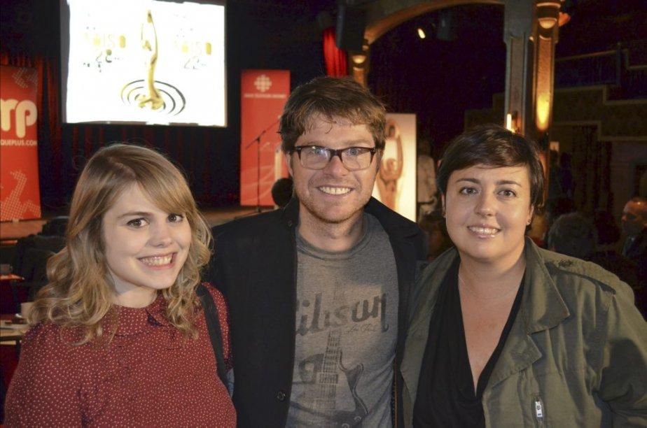 Nommée six fois, la nouvelle maman Coeur de pirate était tout sourire aux côtés d'Ariane Moffatt et de Vincent Vallières. | 11 octobre 2012