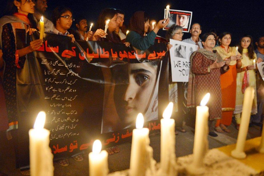 Plusieurs activistes pakistanais ont organisé une veillée à... (PHOTO AAMIR QURESHI)