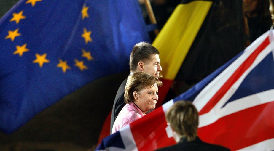 Allemagne: la chancelière Angela Merkel et son mari Joachim Sauer à Berlin, lors des célébrations du traité de Rome, le 24 mars 2007. | 11 octobre 2012