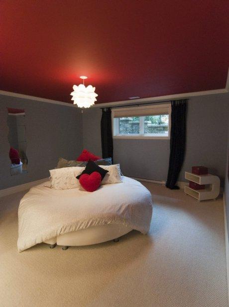 mont saint hilaire en mode ch teau val rie v zina. Black Bedroom Furniture Sets. Home Design Ideas