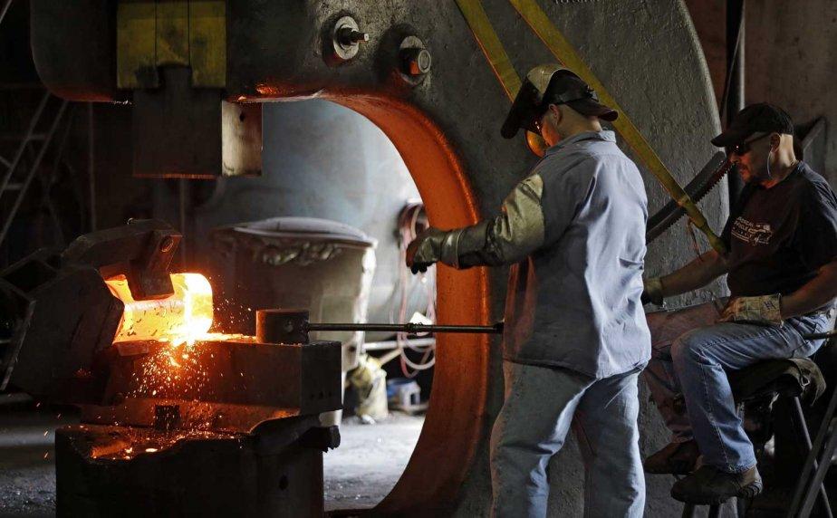 Une usine en Ohio.... (PHOTO AP)