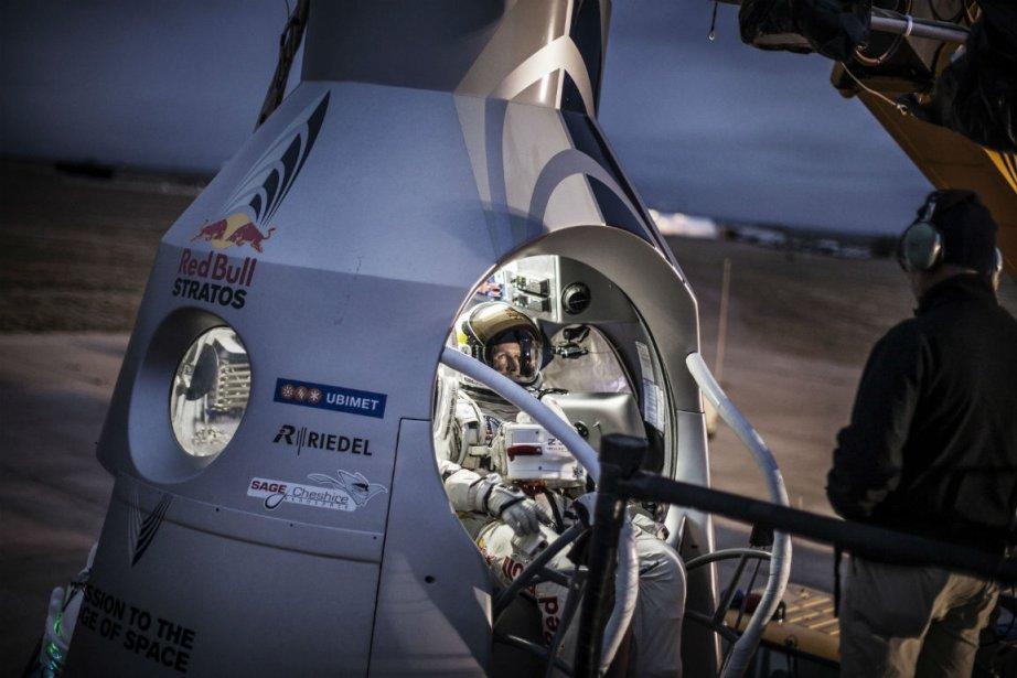 Félix Baumgartner à bord d'un scaphandre pressurisé.... (Photo Reuters)