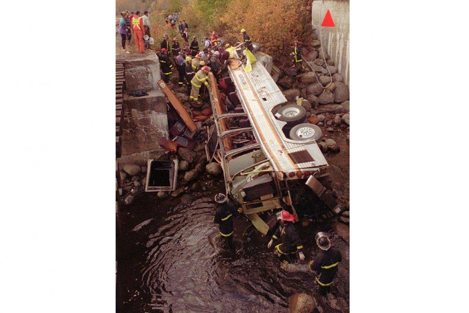 Le 13 octobre 1997, un autobus de la... (Photo: archives La Presse)