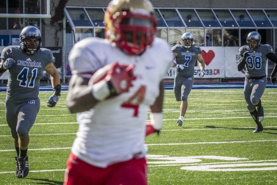 Les Carabins de l'Université de Montréal l'ont emporté cet après-midi 23-20 contre le Rouge et Or de l'Université Laval. Le match était disputé au CEPSUM. | 13 octobre 2012