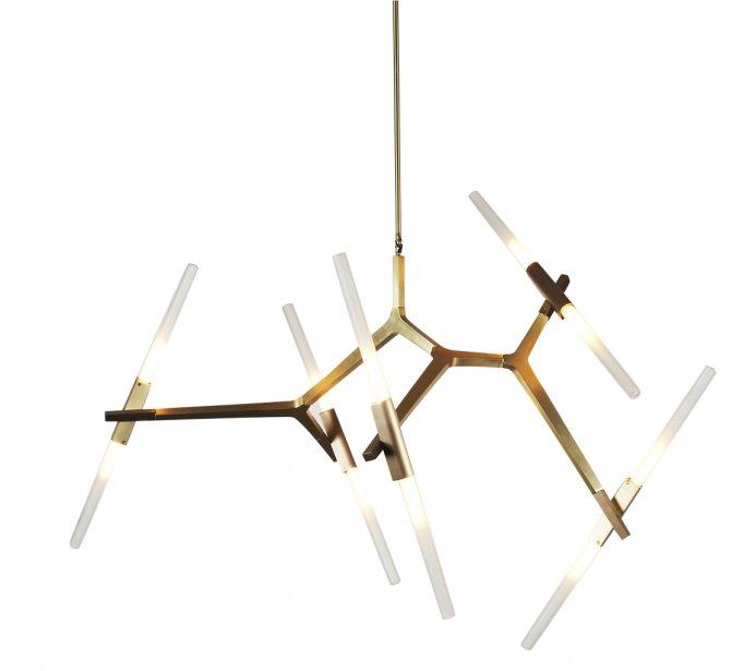 Chandelier Agnes à 10 lampes. Lindsey Adelman pour Roll&Hill, 10 000$ chez Hollace Cluny (boutique torontoise). | 15 octobre 2012
