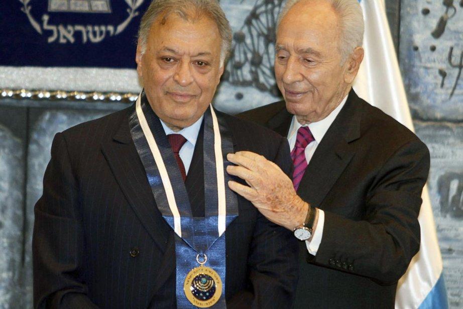 Zubin Mehta (à gauche) en compagnie du président... (Photo: AFP)