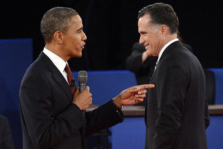 Barack Obama et Mitt Romney lors du deuxième... (Photo: AFP)