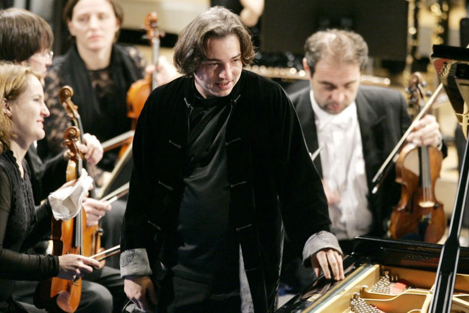 Le pianiste turc Fazil Say.... (PHOTO VIRGINIA MAYO, AP)