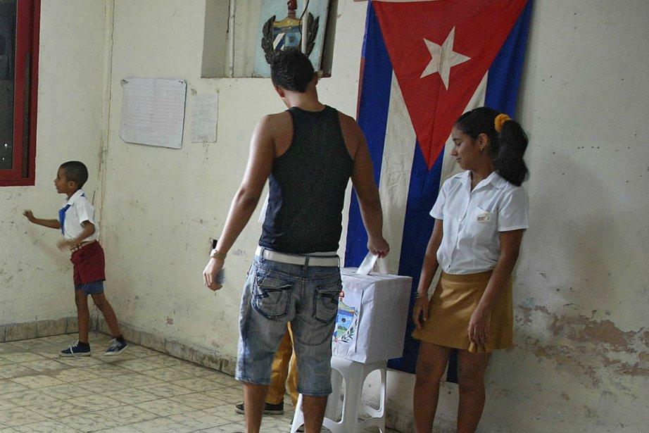 Les 29 500 bureaux de vote ont ouvert... (Photo Randy Rodriguez, Agence France-Presse)