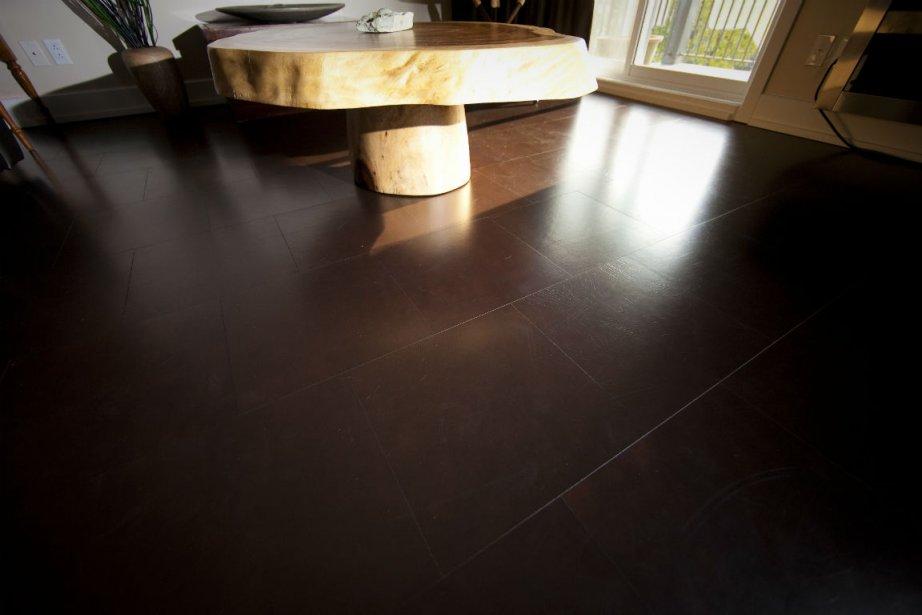 Le cuir du plancher flottant (collection Rain Forest,... (Photo André Pichette, La Presse)