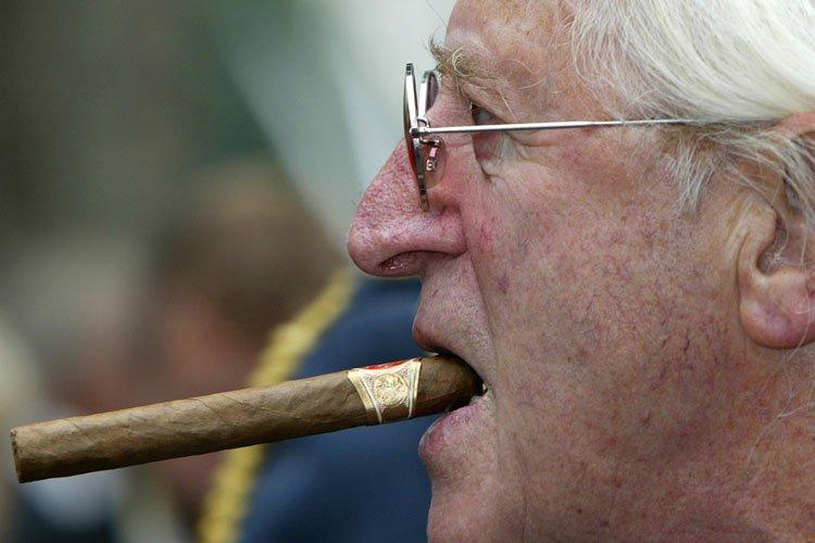 Jimmy Savile en 2005.... (Photo: AP)