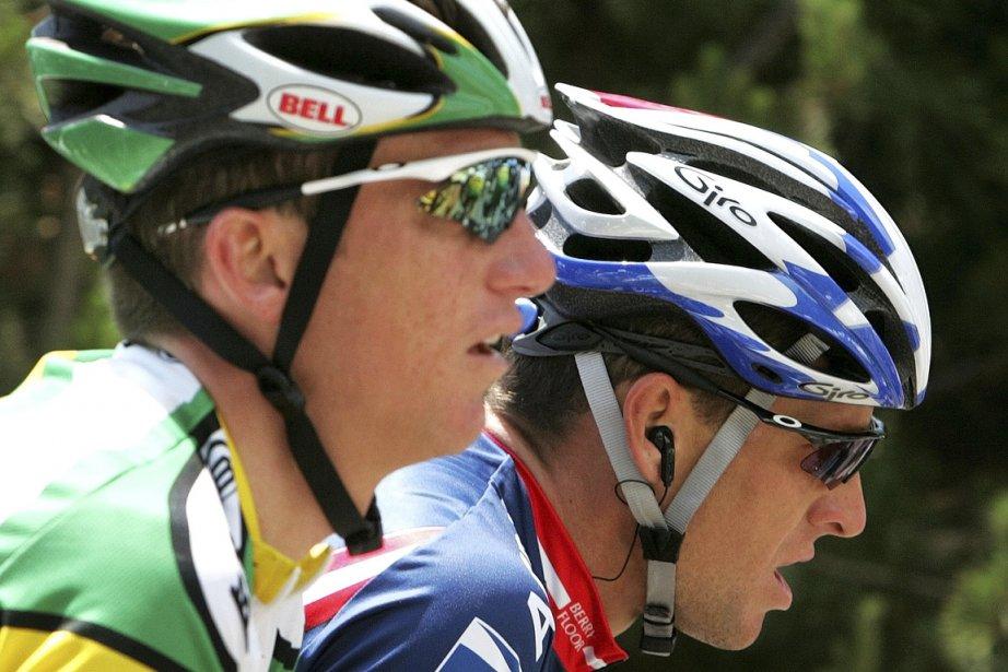 Tyler Hamilton (à gauche), longtemps un proche lieutenant... (Photo Thierry Roge, Reuters)