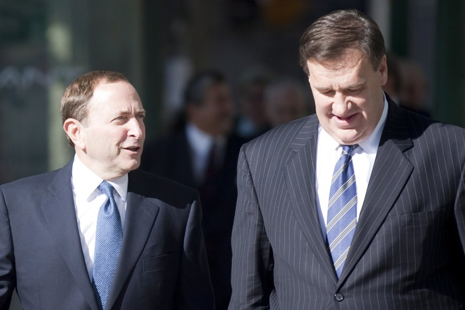 Le commissaire de la LNH, Gary Bettman, et... (Photo: PC)