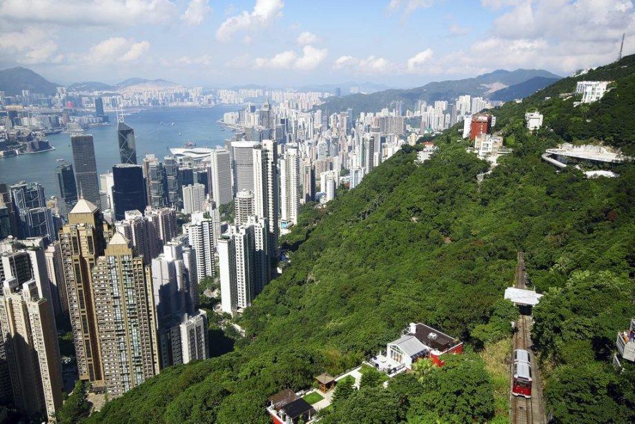 La ville de Hong Kong vue du mont...