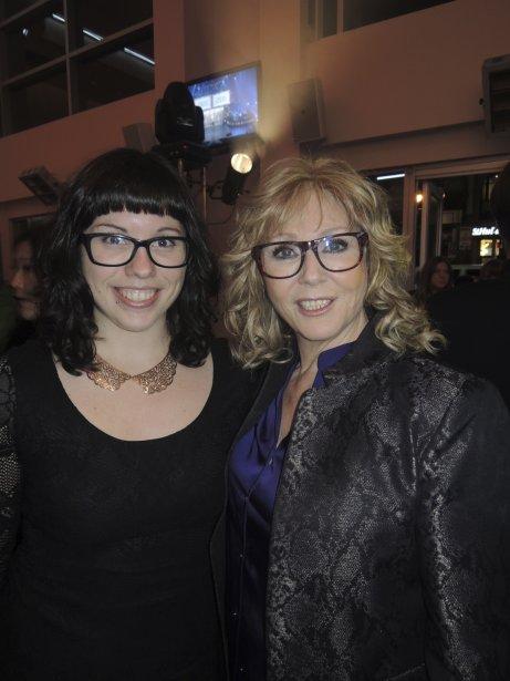 La gagnante du Félix de l'album de l'année - country, Renée Martel, et sa fille Laurence. | 25 octobre 2012