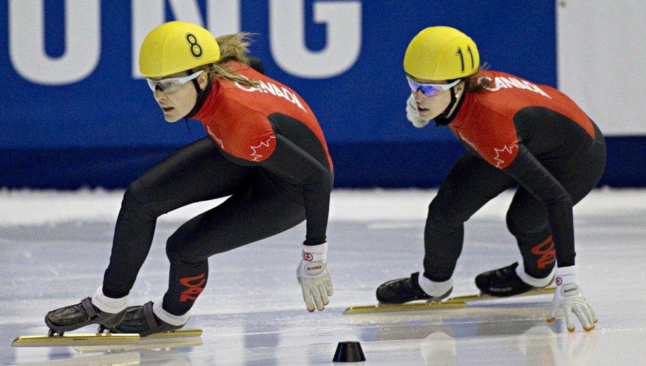 Jessica Gregg et Marianne St-Gelais pendant la finale du 500m. | 28 octobre 2012