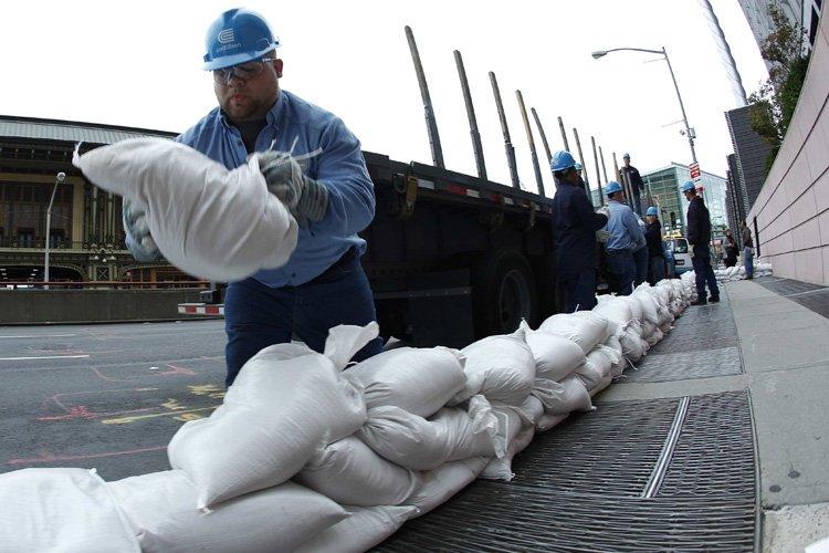 De Washington à New York (photo), des habitants... (Photo: Reuters)