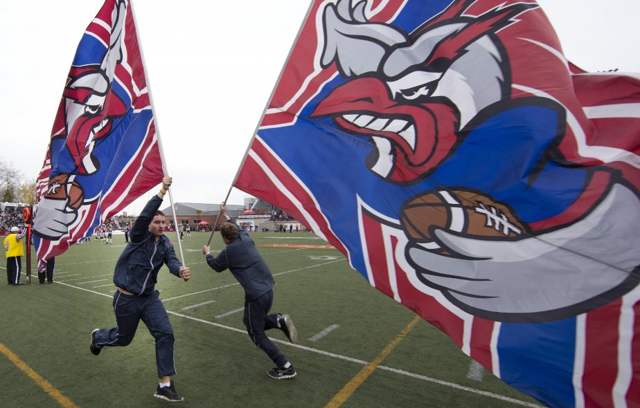 Les Alouettes de Montréal contre les Eskimos d'Edmonton au Stade Percival-Molson. (Photo Robert Skinner, La Presse)