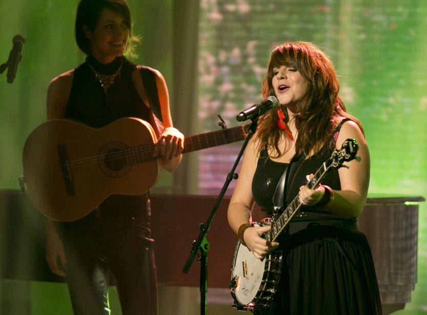 La prestation musicale des 5 artistes en nomination pour le prix révélation de l'année; Sophie Beaudet et Lisa LeBlanc. | 28 octobre 2012