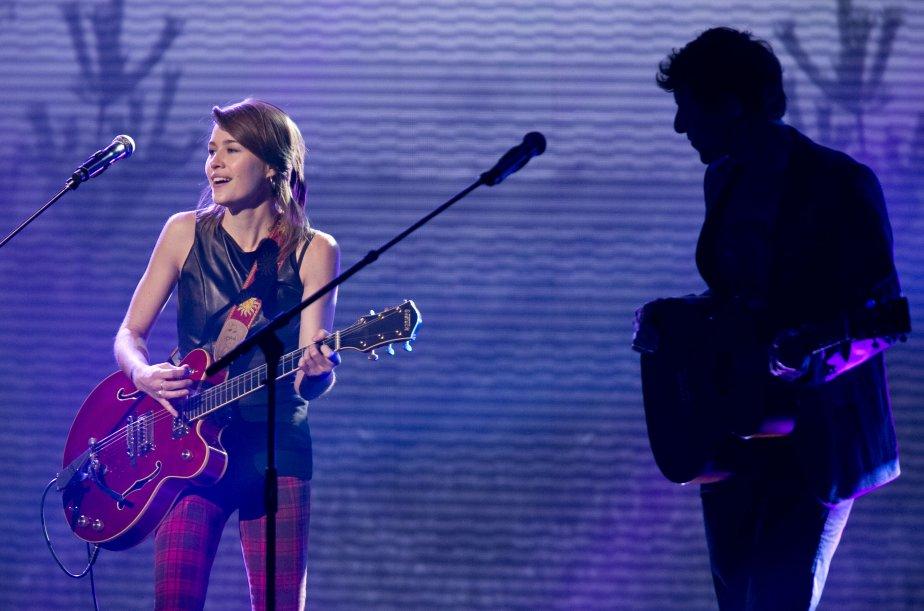 La prestation musicale des 5 artistes en nomination pour le prix révélation de l'année; Salomé Leclerc et Patrice Michaud. | 28 octobre 2012