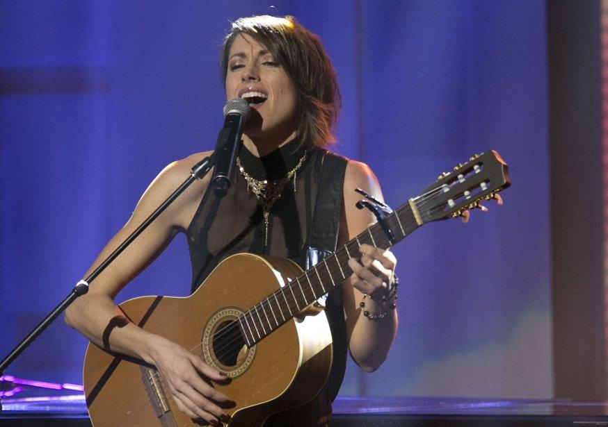 La prestation musicale des 5 artistes en nomination pour le prix révélation de l'année; Sophie Beaudet. | 28 octobre 2012