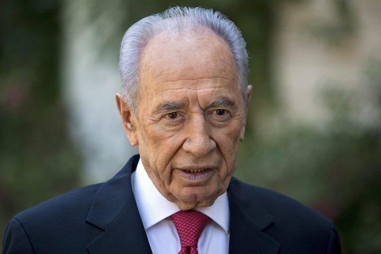 Shimon Peres... (Photo: AP)