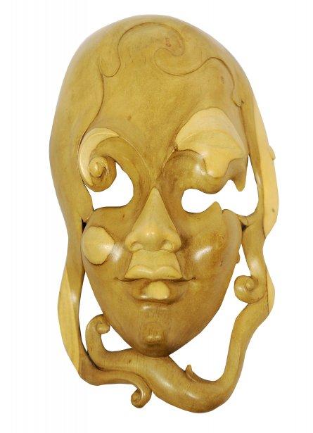 Masque en bois fait à la main, 1125 $ chez Un Fauteuil pour Deux | 30 octobre 2012