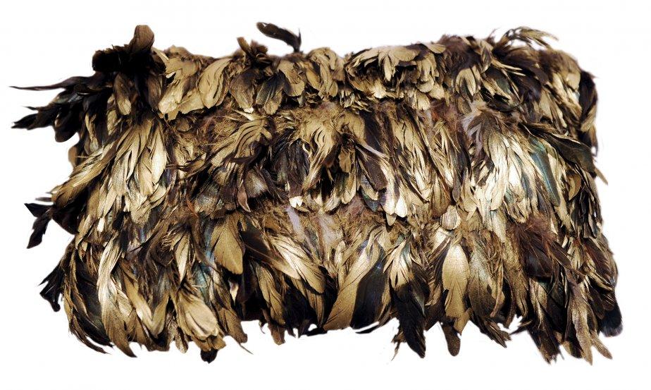 Coussin en plumes, 480 $ chez Un Fauteuil pour Deux | 30 octobre 2012