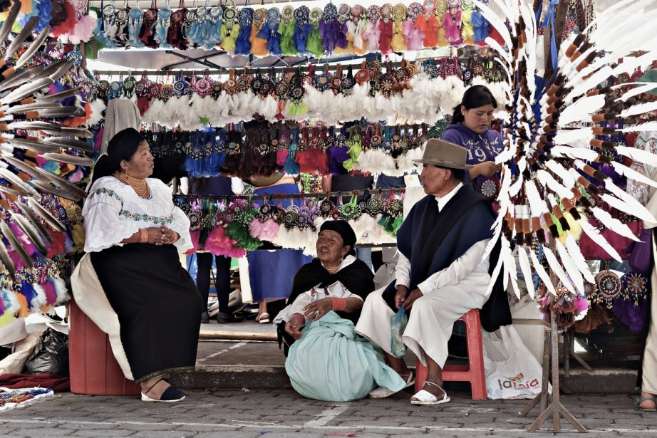 otavalo chat sites Street stalls: mecca of otavalo travel - see 9 traveler reviews, 43 candid  not  only you see behind their stalls is also fun to watch them chatting with others.