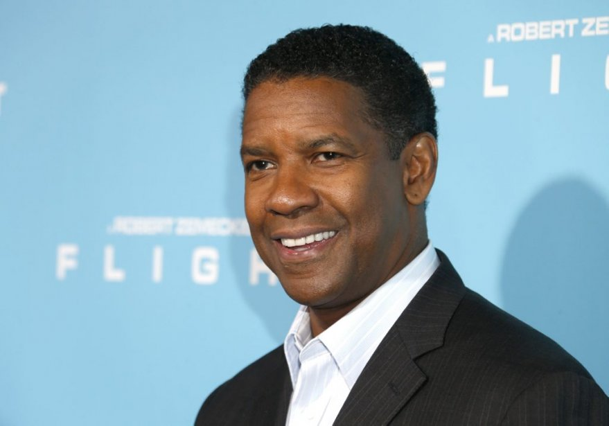 Denzel Washington assistait à la première de Flight au Cinerama... | 2012-10-30 00:00:00.000