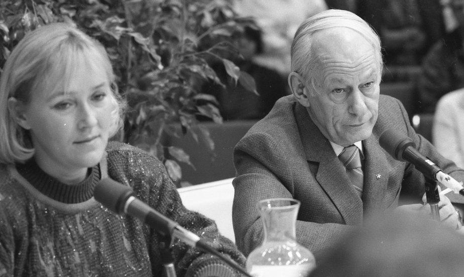 René Lévesque et Pauline Marois au salon du livre en 1986. (Jean Goupil, La Presse)