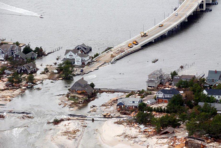 La température de l'eau bat des records cette... (PHOTO DOUG MILLS, AFP)