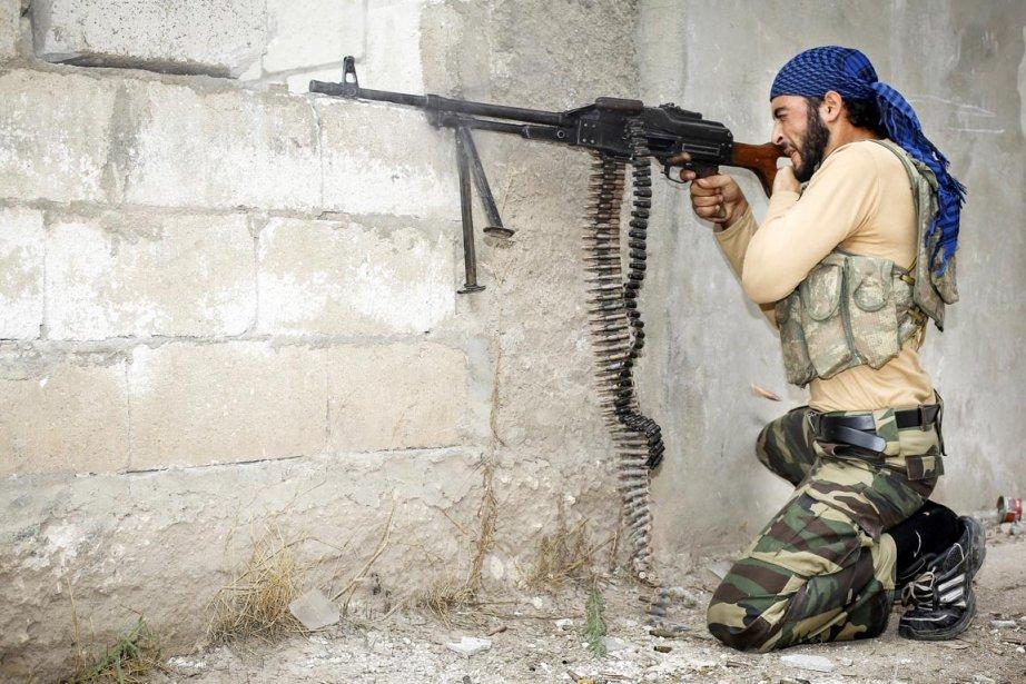 Les rebelles cherchent à prendre le contrôle de... (PHOTO JOHN CANTLIE, AFP)