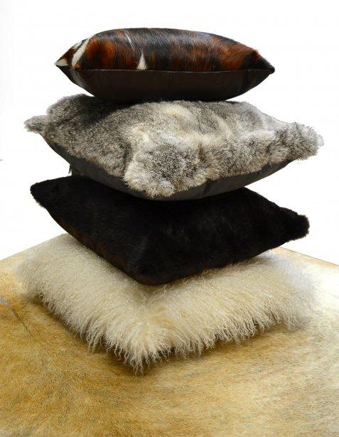 accessoires d co en fourrure. Black Bedroom Furniture Sets. Home Design Ideas