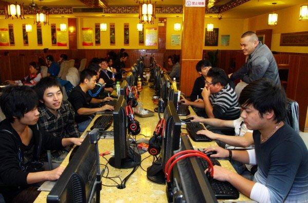 Un auteur chinois prend un malin plaisir à battre l'armée des censeurs...