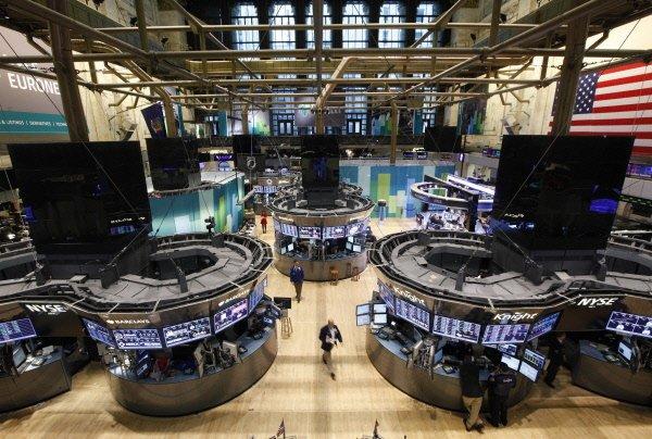 La Bourse de New York évoluait au neutre à la mi-séance vendredi après avoir...